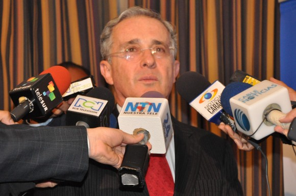 Alvaro Uribe hablando del Plan de Leopoldo Lopez