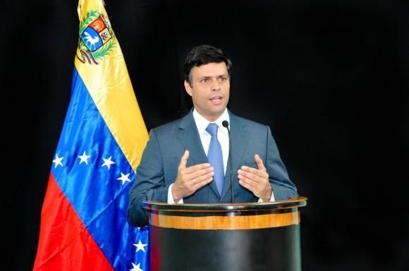 Leopoldo López en la presentación de su propuesta para el componente Militar en Carabobo