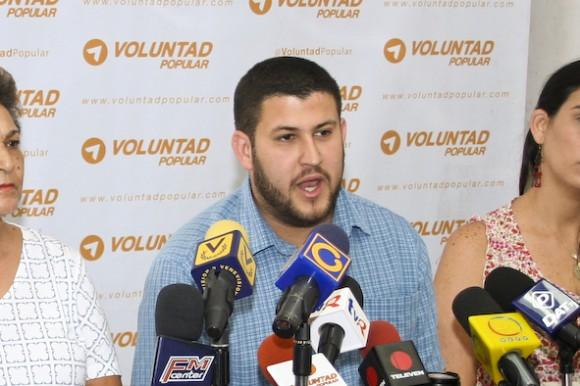 David Smolansky en la rueda de prensa en donde fijó la postura de VP sobre las elecciones Primarias