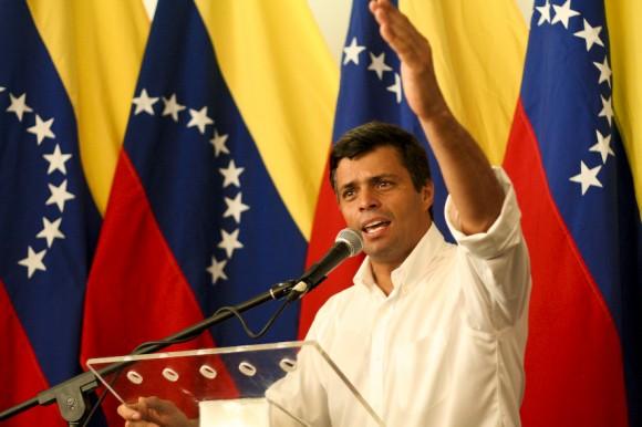 Leopoldo López en el Consejo Nacional de Proyecto Venezuela en Cagua, estado Aragua