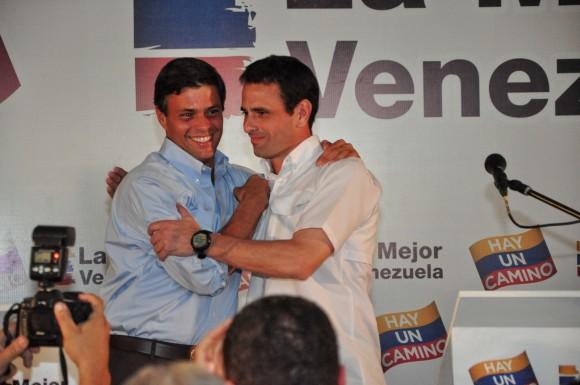 Leopoldo López y Henrique Capriles anunciando su alianza