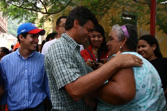 Leopoldo López en su recorrido por Vargas en la celebración de la bajada de los Reyes Magos de Guamacho