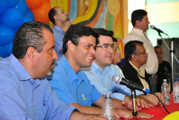 Leopoldo López junto a Daniel Ceballos y Alberto Maldonado, candidatos a las alcaldías de San Cristóbal Y Torbes, respectivamente
