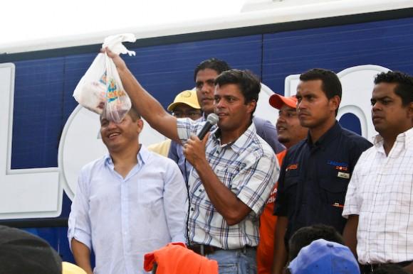 Leopoldo López en su encuentro con cientos de cojedeños en San Carlos