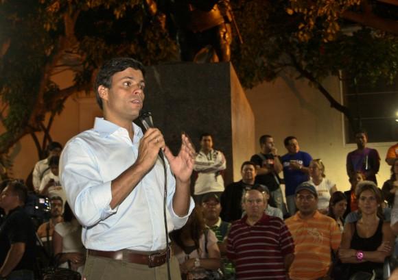Leopoldo López en su participación en la Asamblea de Chacao