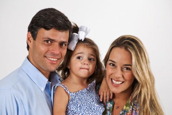 Leopoldo López junto a su esposa, Lilian Tintori, y su hija Manuela