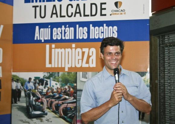 Leopoldo López en la Asamblea con los vecinos de Chacao