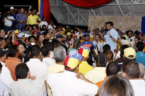 Henrique Capriles Randonski en la asamblea de Cantaura