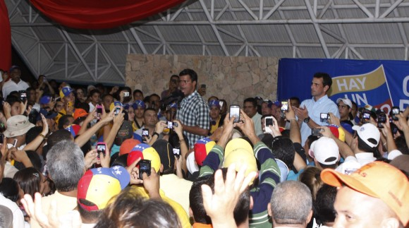 Leopoldo López junto a Henrique Capriles Radonski en la Asamblea de Cantaura